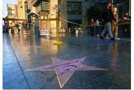vandalizan estrella de trump en hollywood, policia investiga