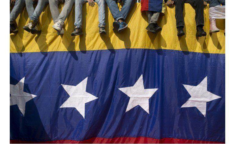 Venezuela: Miles marchan para presionar por referendo