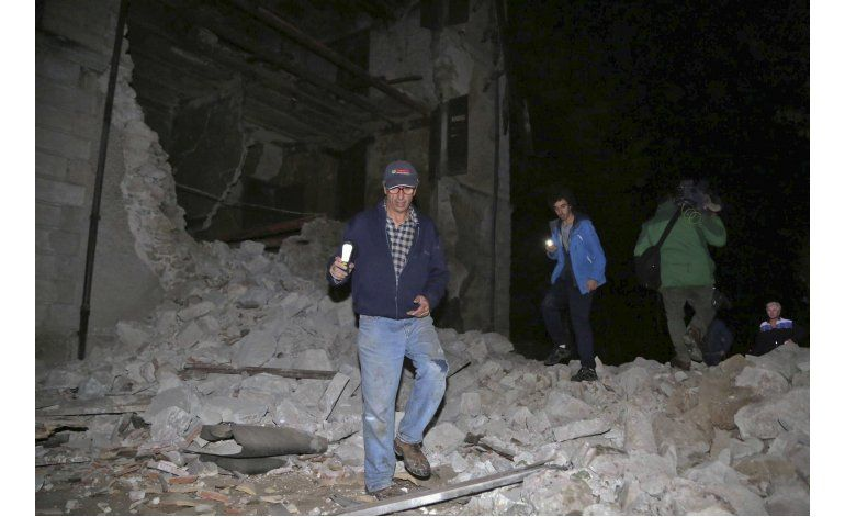 Dos sismos sacuden Italia; algunos edificios colapsan
