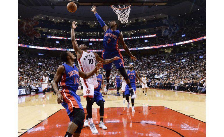 DeRozan logra 40 puntos y Raptors doblegan a Pistons