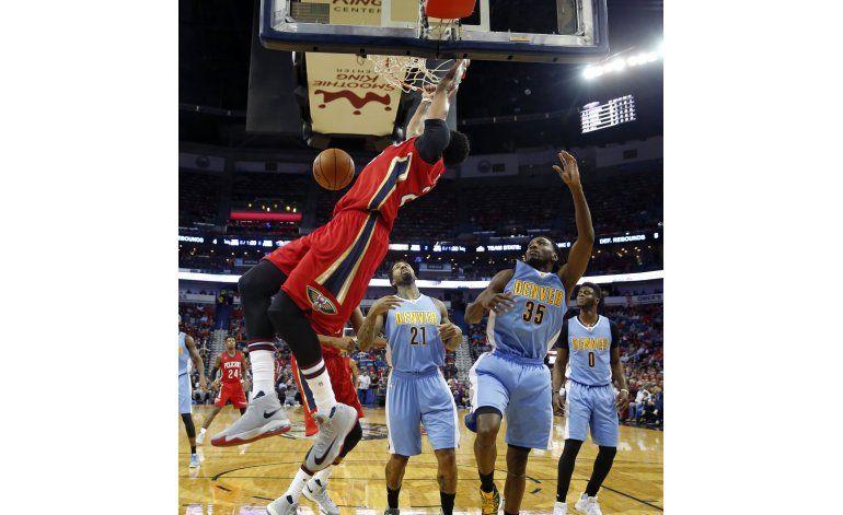 Davis anota 50 pero Nuggets vencen a Pelicans
