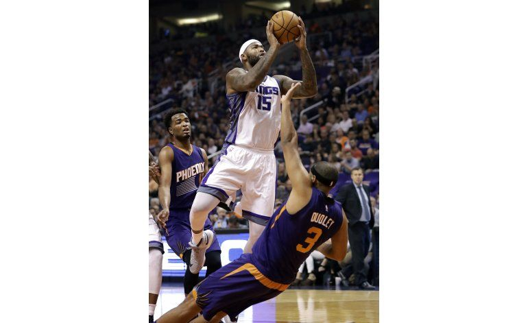 Cousins y Gay lideran a Kings, ganan 113-94 a jóvenes Suns
