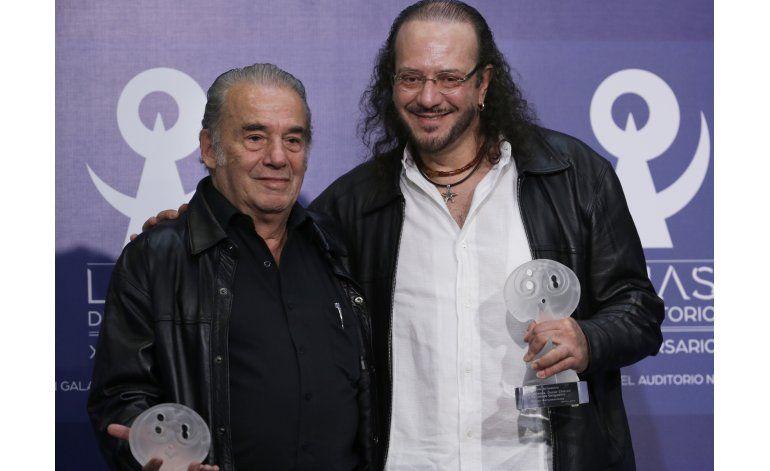 Juan Gabriel gana el premio póstumo Luna del Auditorio
