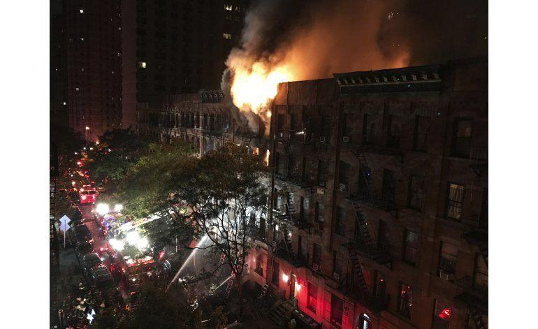 NY: 1 muerto, 12 heridos en incendio en edificio residencial
