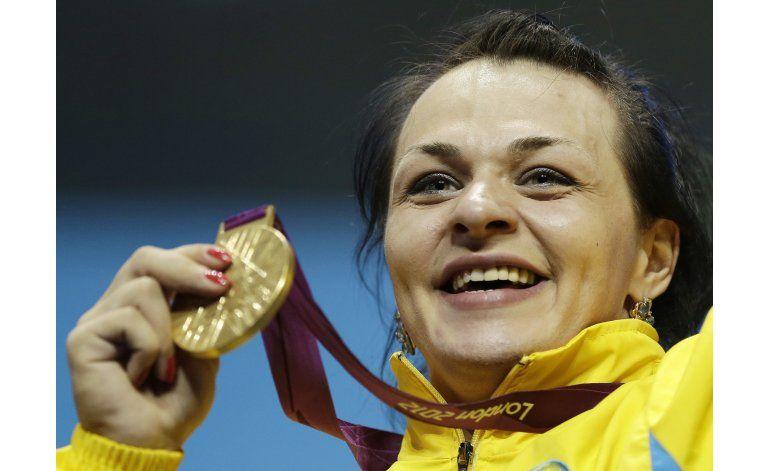 3 pesistas kazajas pierden medallas de Londres 2012