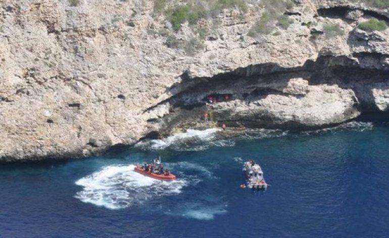 Cubanos llegan a islote de Puerto Rico y se refugian en una cueva