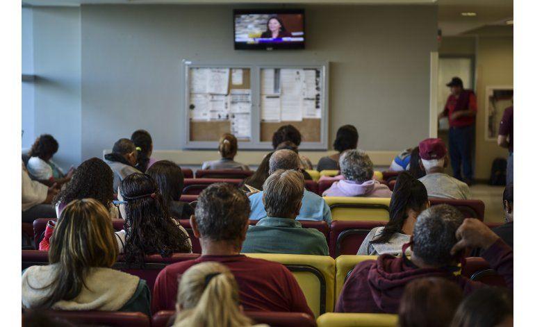 Médicos huyen de Puerto Rico; dejan a pacientes sin atención