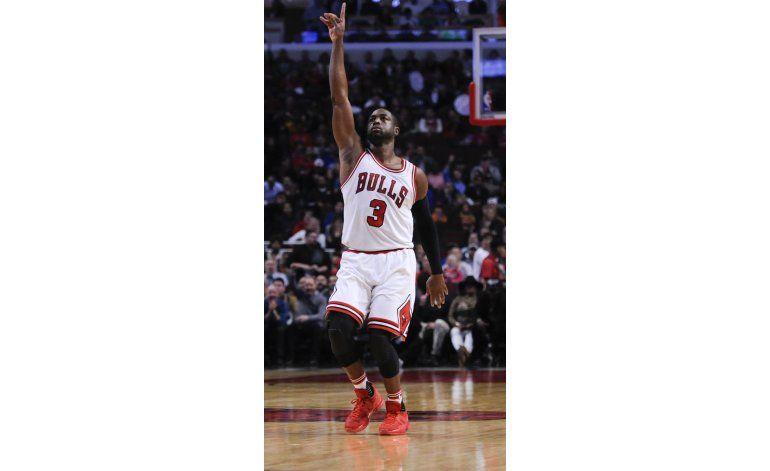 Wade anota 22 en su debut con Bulls, que vencen a Celtics