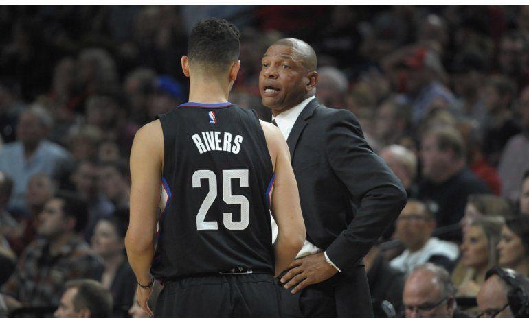 Clippers abren temporada con victoria 114-106 sobre Portland
