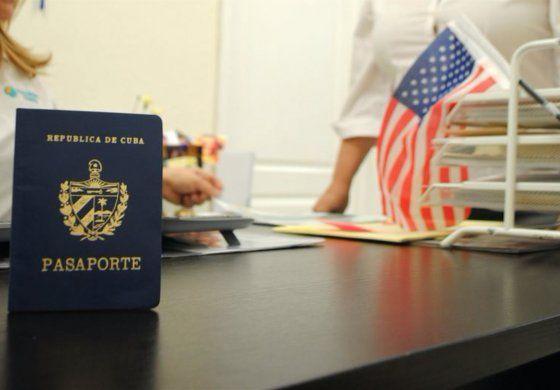 Más de 13.000 cubanos se han repatriado a Cuba desde EEUU: oficial