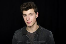 shawn mendes, el musico serio y notable, emerge
