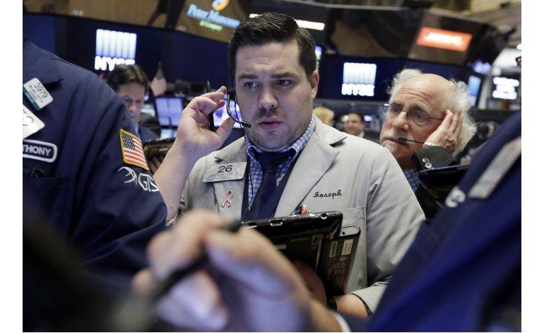 Bajan ligeramente acciones en Wall Street