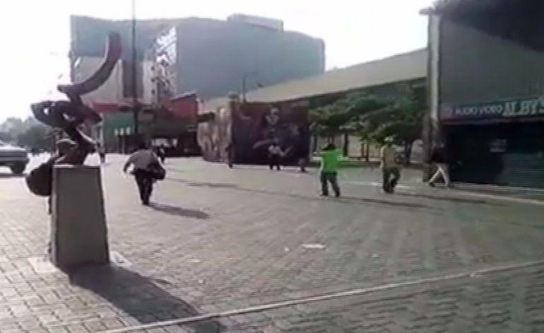 Venezolanos se unen al paro convocado por la oposición