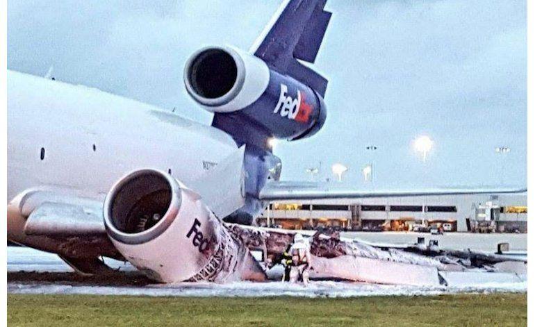 Avión de FedEx se incendia en Fort Lauderdale; video muestra explosión de ala