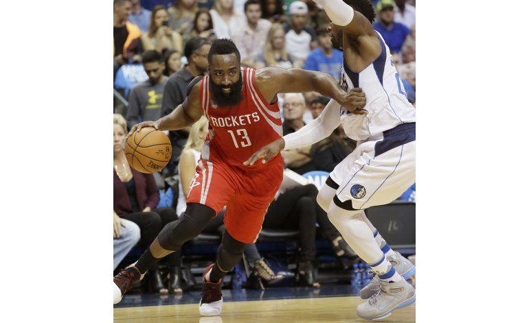 Rockets aprovecha ausencia de Nowitzki y vence a Mavericks