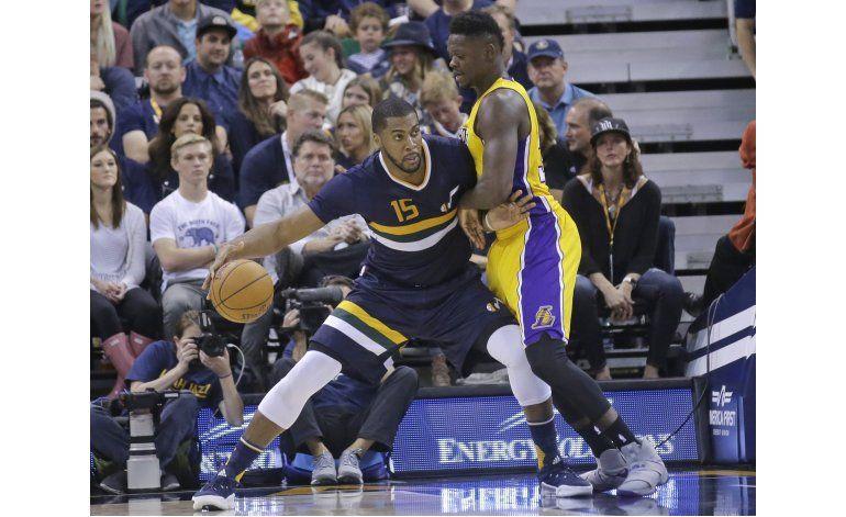 Hill anota 23 puntos en victoria de Jazz sobre Lakers