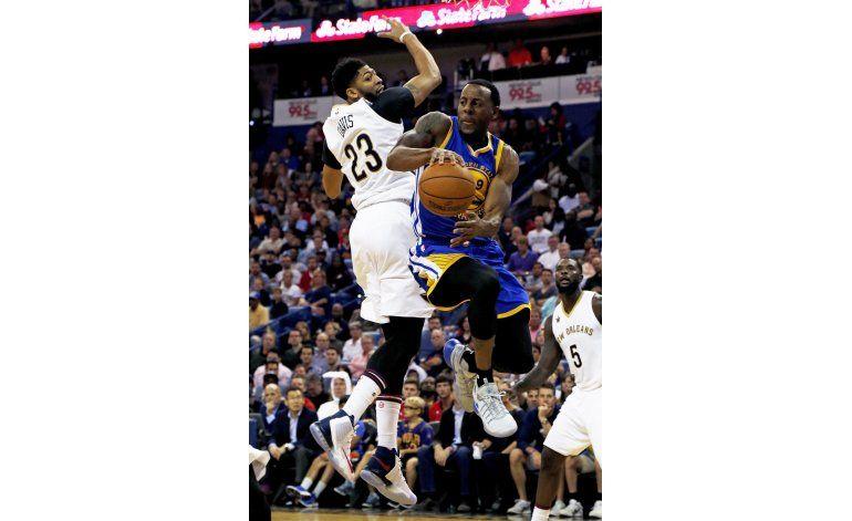 Durant ayuda a Warriors a superar a los Pelicans por 122-114