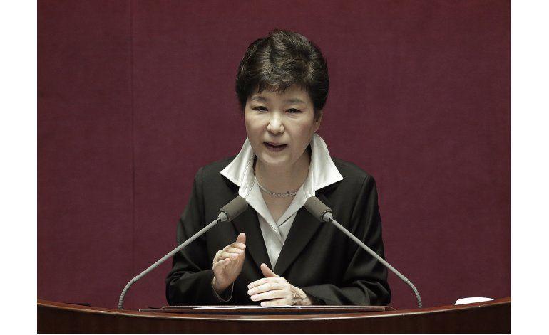 Presidenta surcoreana ordena a secretarios renunciar