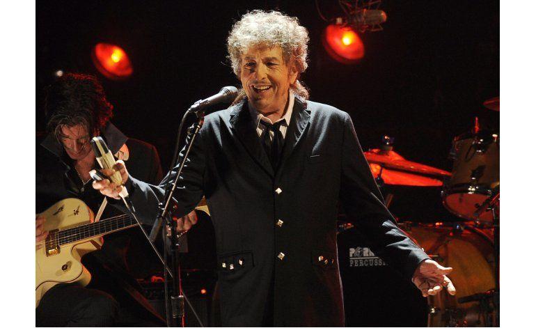 Dylan dice a Academia Sueca que acepta el Nobel