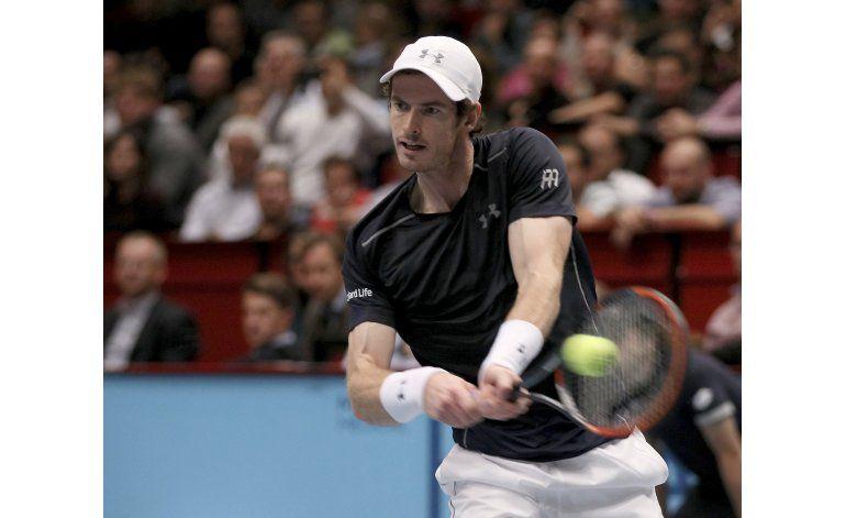 Murray avanza a final en Viena tras retiro de Ferrer