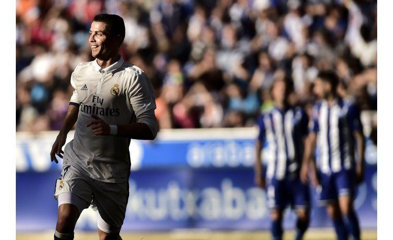 Cristiano golea y el Madrid es líder, escoltado por el Barsa