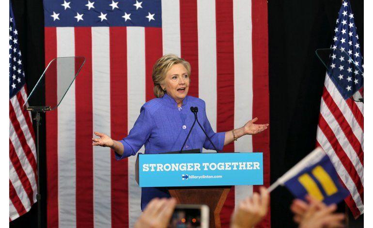 Clinton dice que no será desviada de su ruta