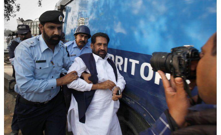Pakistán: Reprimen oposición, arrestan a 1.500