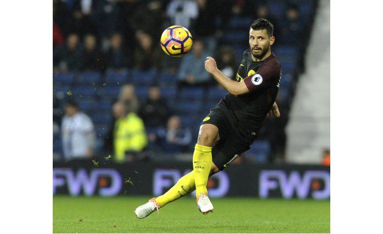 Manchester City apuesta por Agüero en revancha con Barcelona