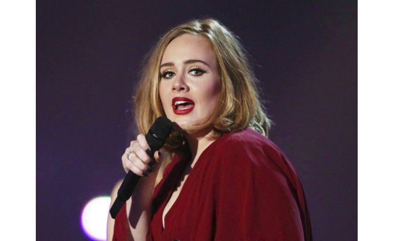 Adele habla sobre depresión postparto y consumo de alcohol