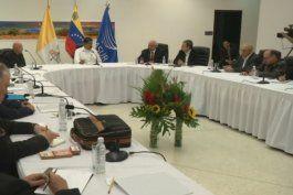 oposicion venezolana suspende su participacion en la mesa de dialogo con el gobierno