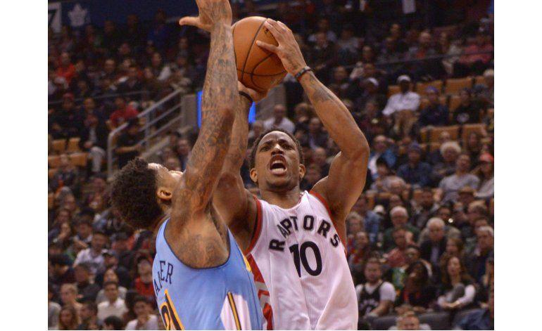 DeRozan y Lowry conducen a Raptors al triunfo
