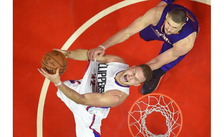Clippers vence a visitantes Suns; Paul anota 24, Griffin 21