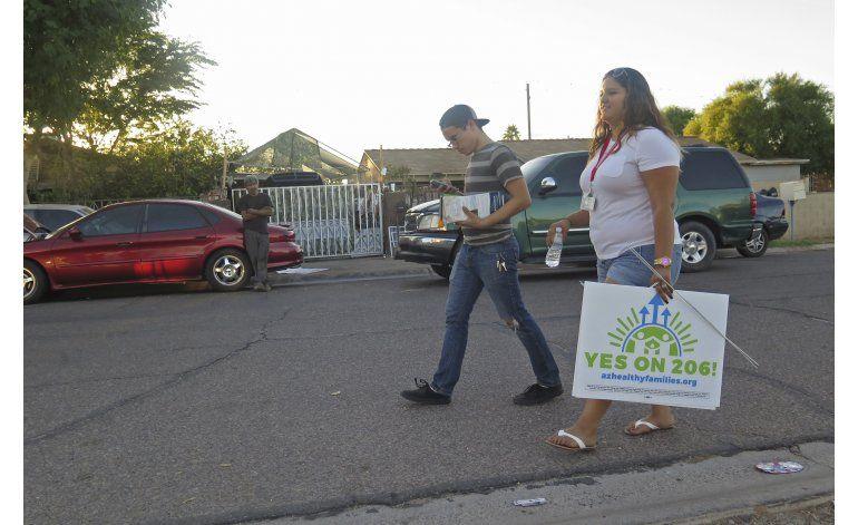 Demócratas y Clinton cuentan con latinos para ganar Arizona