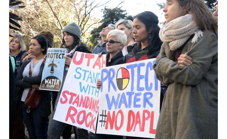 Obama: Ingenieros del Ejército evalúa oleoducto de Dakota