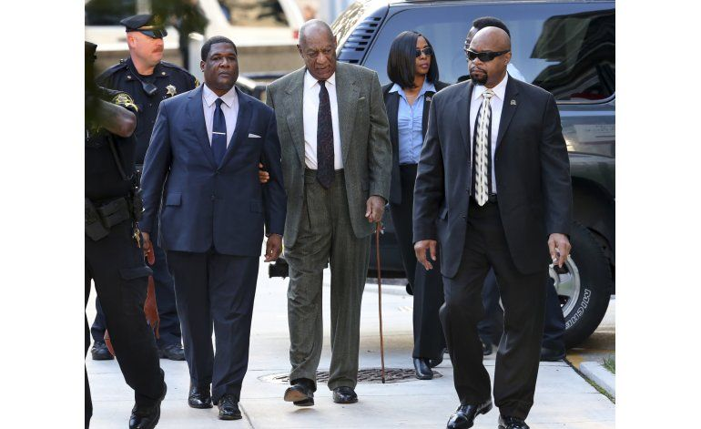 Juez no emite fallo tras audiencia en caso Cosby