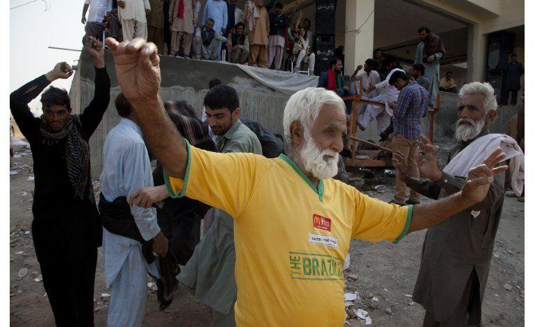 Pakistán libera casi 2.000 simpatizantes de oposición