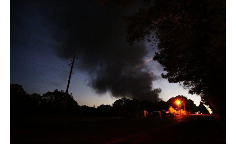 Alabama: Llamas siguen ardiendo tras explosión en oleoducto