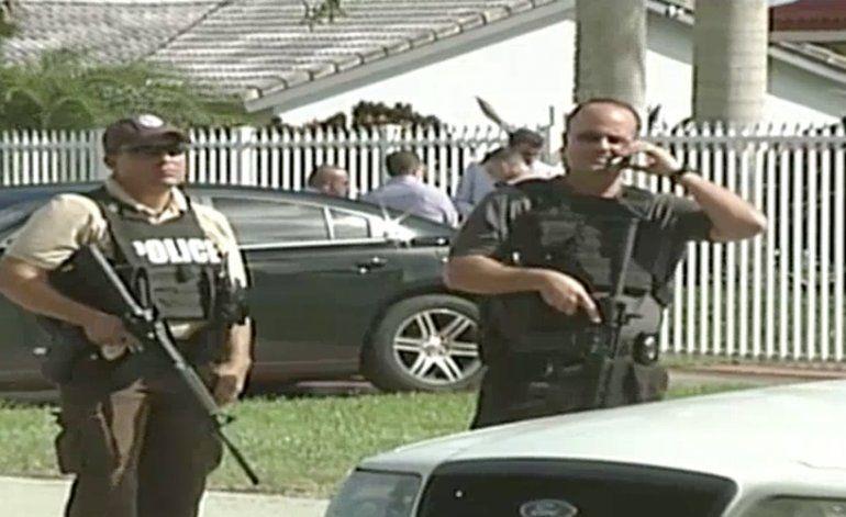 Hombre asesina a tiros a su esposa e hijo