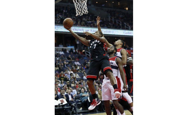 DeRozan anota 40 puntos y Raptos domina a los Wizards