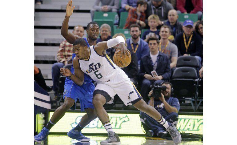 George Hill anota 25 puntos en triunfo sobre Mavericks