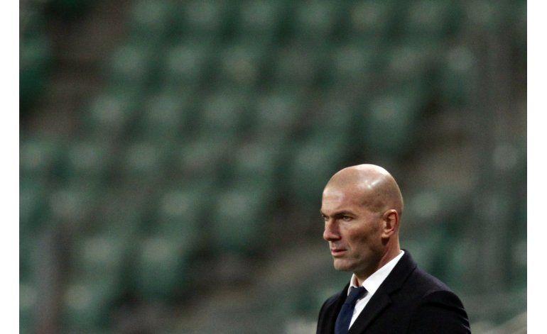 Real Madrid no halla su identidad con impredecible Zidane