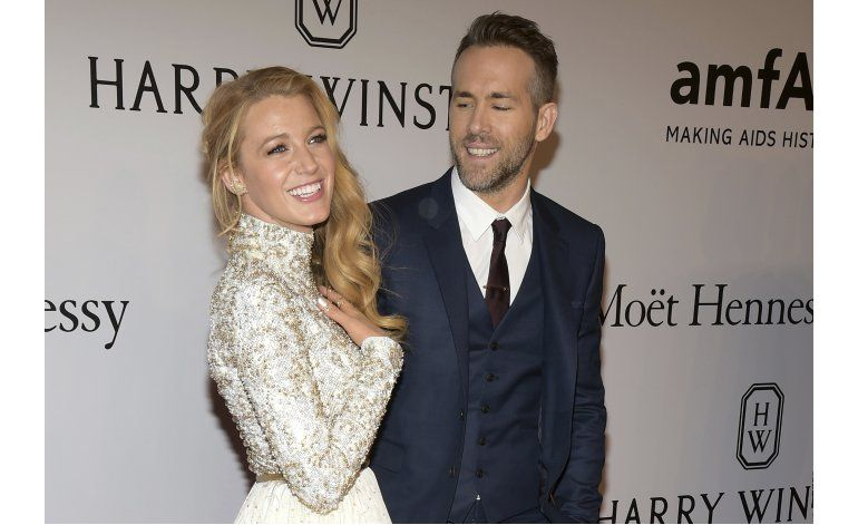Reynolds revela sexo de su segundo bebé con Lively