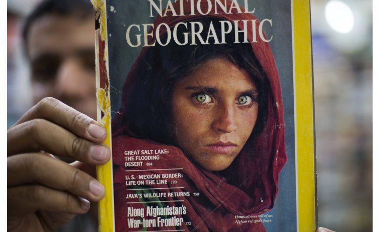 Pakistán deportará a la niña afgana de National Geographic
