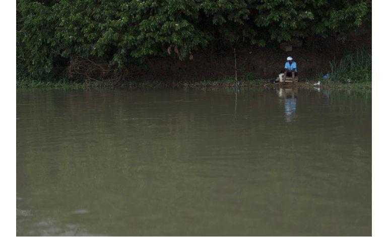 Vecinos desconfían de río brasileño tras el desastre de 2015