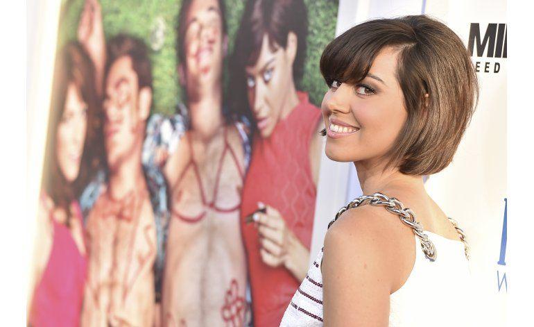 Aubrey Plaza dice que casi se casa con Michael Cera en Vegas