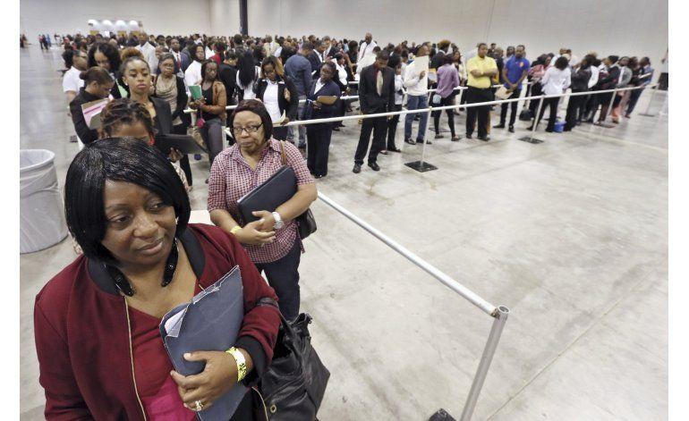 EEUU crea en octubre 161.000 trabajos; baja el desempleo