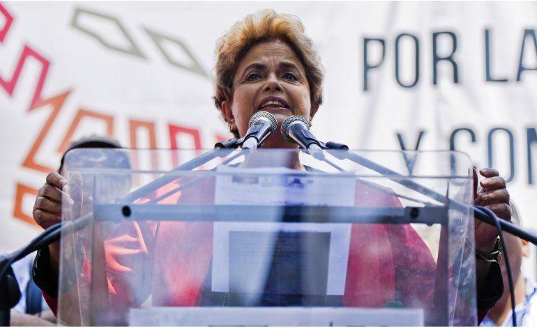 Dilma Rousseff encabeza acto de sindicatos uruguayos