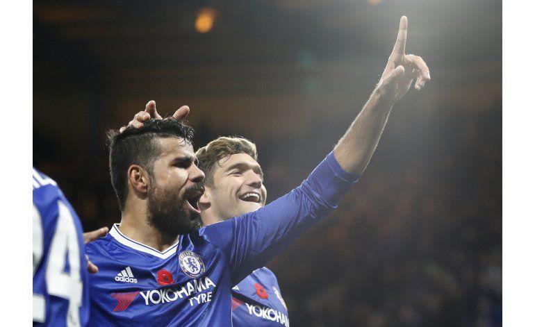 Chelsea vuelve a golear y es líder en la liga Premier