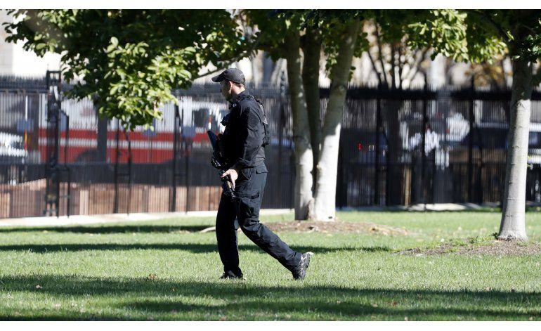 Hombre armado cerca de la Casa Blanca provoca cierre
