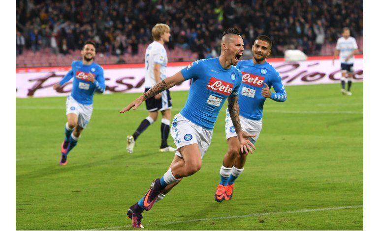 Hamsik se acerca a Maradona, pero Napoli sólo empata